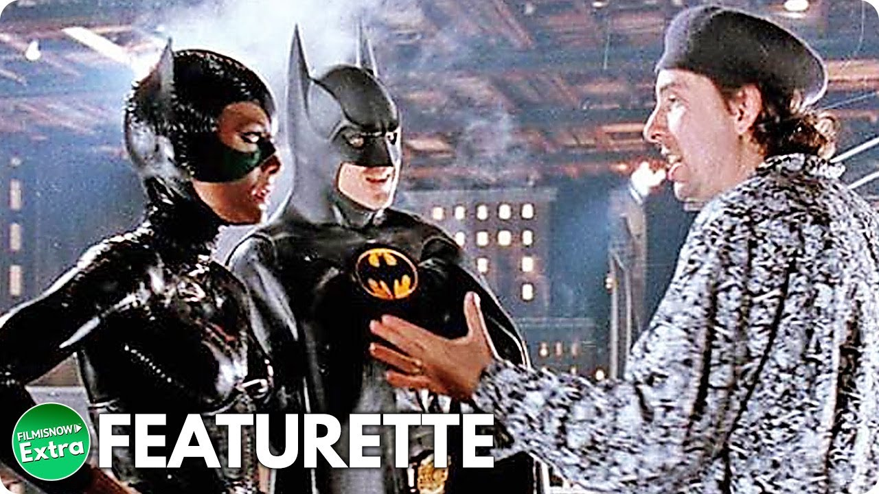 BATMAN RETURNS (1992) | Dark Side of the Knight Featurette