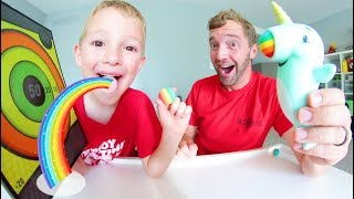 Baixar Father Son SUPER MAGICAL RAINBOW SHOOTER! / Sticky Target