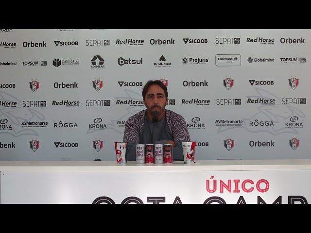 Entrevista com o técnico Leandro Zago antes do jogo contra o Caxias