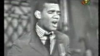 Wilson Simonal canta Tributo a Martin Luther King