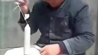 Как китайцы скручивают презервативы? Смотри! :)