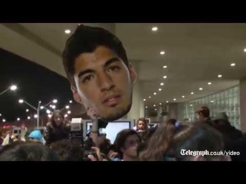 Uruguay fans await return of 'hero' Suarez