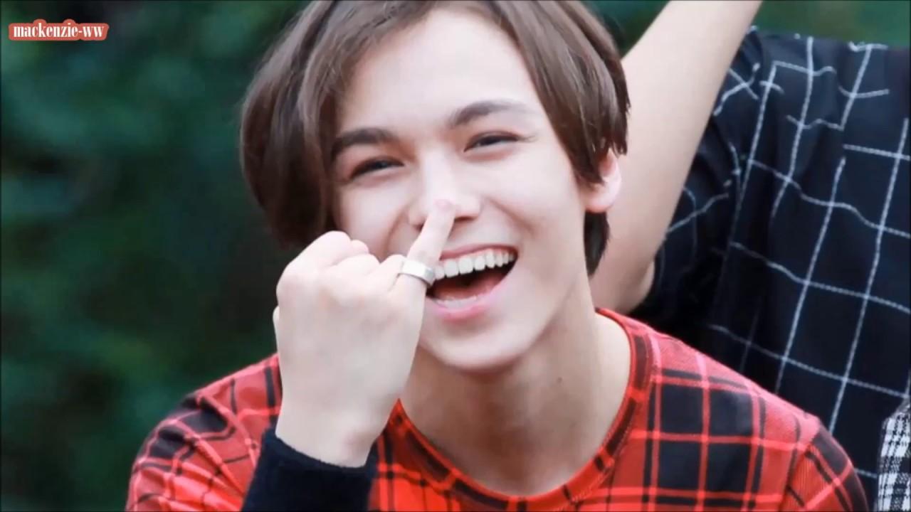 10 reasons to love Vernon of SEVENTEEN