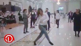 TOYDA QIZIN REQSİ OGLANLARA MEYDAN OXUYUR 2018 (HD)