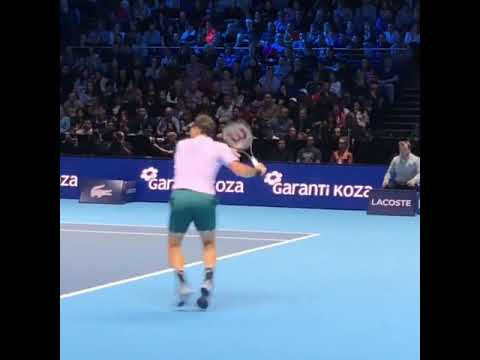 Federers footwork is just peRFect!