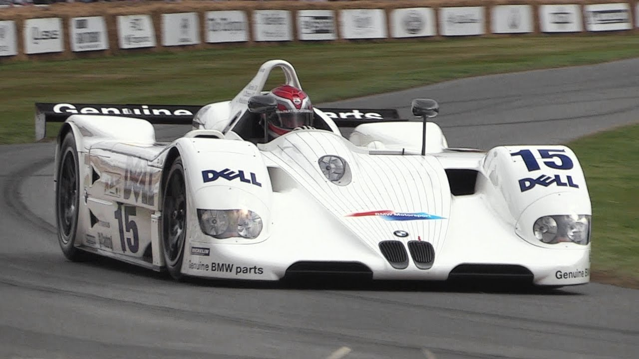 BMW V12 LMR Le Mans Prototype - Accelerations, Fly Bys & GLORIOUS Engine  Sound!!