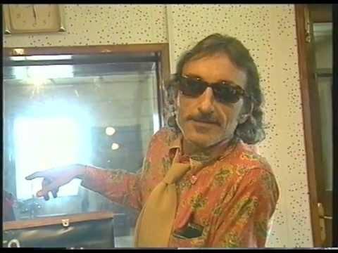 Claudio Rocchi // cravatta nepalese// Kathmandu 2003.mov