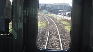 JR東日本E120系の磐越西線の会津若松行きが新津駅を発車(車内より)