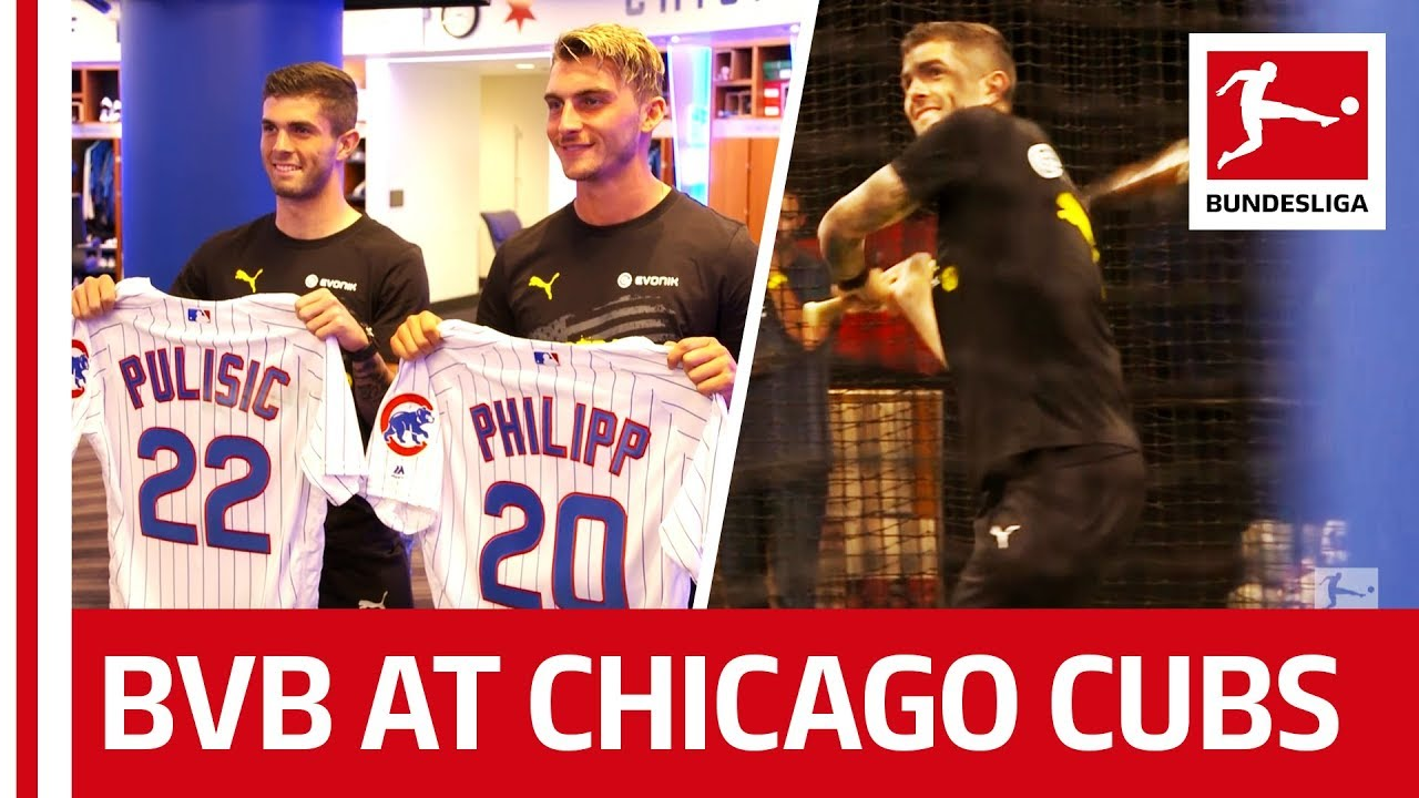 online retailer 551ad 1c262 Pulisic shows Philipp how to play Baseball - Borussia Dortmund Stars visit  Chicago Cubs