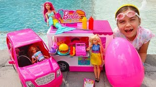 Pretend Play with Toy Barbies - Barbie Gets Stuck at the Pool!