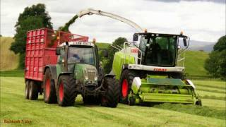 Silaging with Claas Jaguar 940.