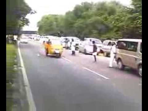 peoples went to receive kaduvetti guru MLA at toll gate -chegalpat 5/12/2013