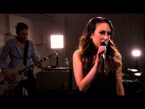 Janna: Sä et ole hullu (livenä Nova Stagella)