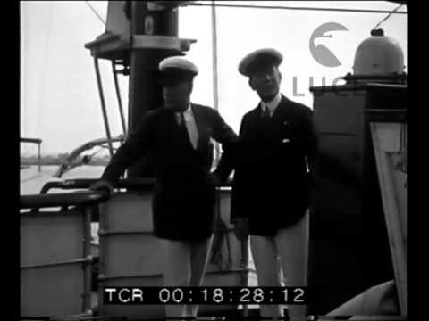 Mussolini a bordo dell'Elettra ancorata nel porto di Fiumicino