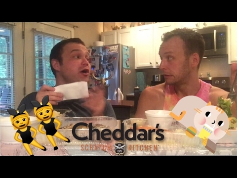 Cheddar's Scratch Kitchen 😸🙌🏼 | Eat With Us! 👯♂️