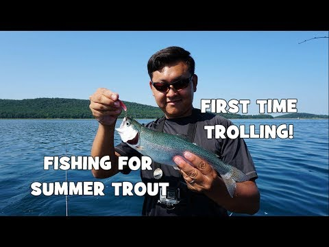 Fishing for SUMMER TROUT!!! My FIRST TIME TROLLING! Ft. RaWr F. & Zach Merchant F. (Clinton, NJ)