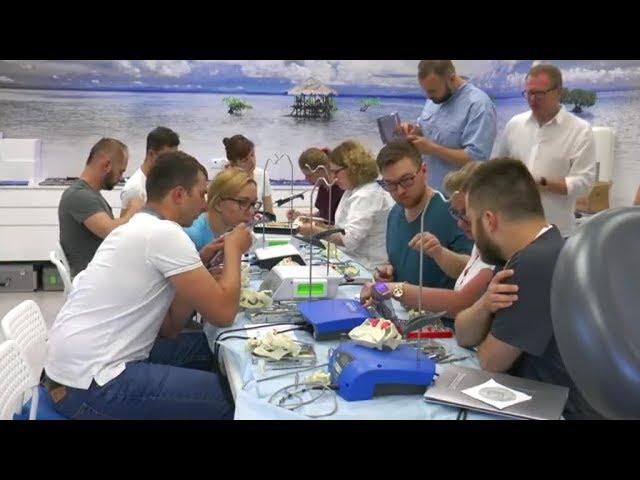 PRACTICULUM IMPLANTOLOGII-SEZON IV-SESJA 3 - ćwiczenia na fantomach