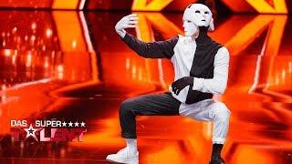 Artem tanzt sich zur Goldstimmung | Das Supertalent 2017 | Sendung vom 18.11.2017