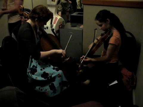 Another hallway jam with Emma Beaton  & Tatiana Hargreaves ~  fiddletunes 09