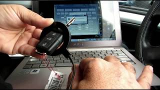 Programming a Skoda Octavia 2011 original remote key with Abritus AVDI VAG Commander - Peer Locks