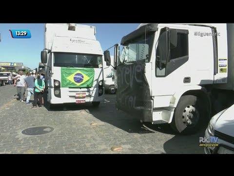 Caminhoneiros se mobilizam para nova paralisação no país
