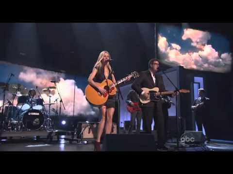 Gwyneth Paltrow - Country Strong - CMA Awards 2010