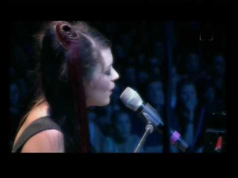 Emilie Simon - In the Lake - Concert 2006.avi