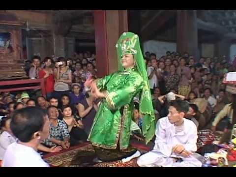 Cau Tuan hau Chua Nguyet Ho