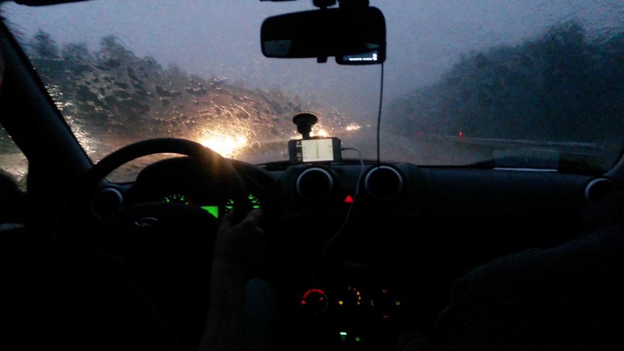 Едем на Гранте в ливень по трассе в Минск