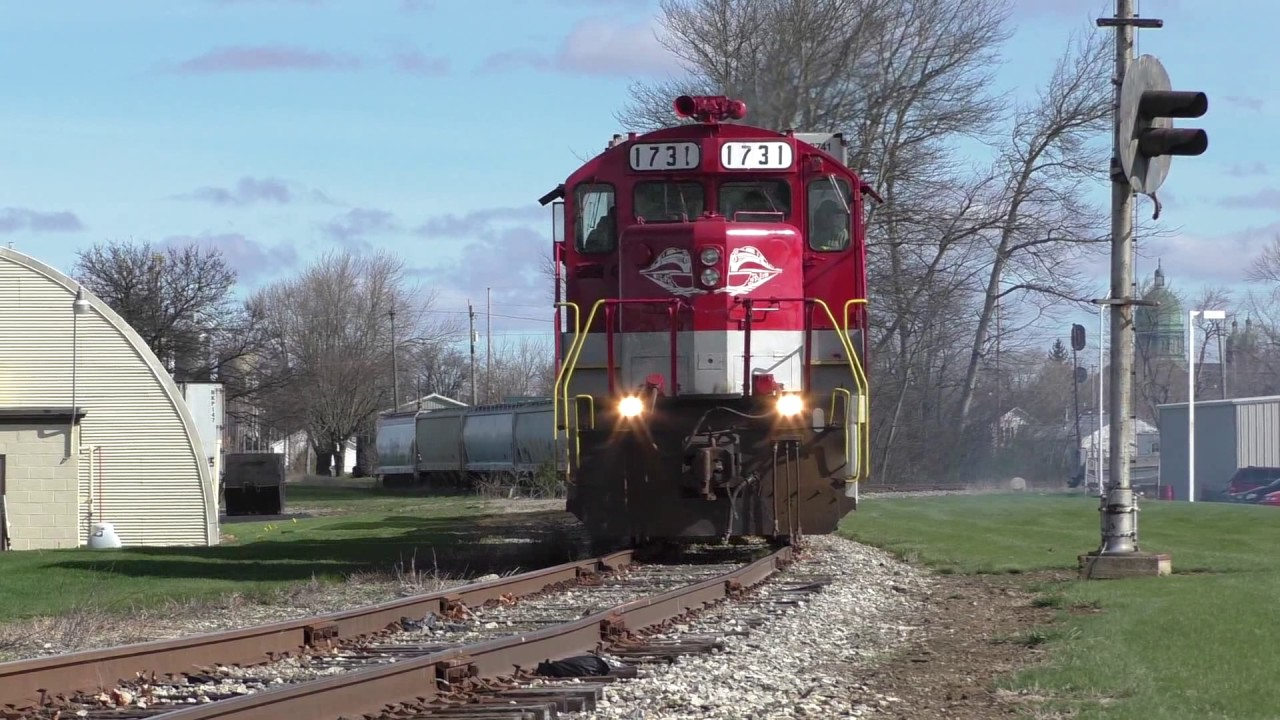 RJ Corman train action on the St Marys Line - YouTube