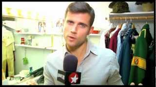 """Murals, Makeup and Magic! Kyle Dean Massey Brings Fans Backstage at """"Wicked"""""""