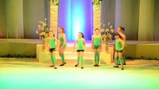 Танец под песню Не детское время. Танец на последний звонок