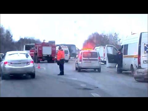 Два человека погибли и семеро пострадали в ДТП с автобусом под Тобольском