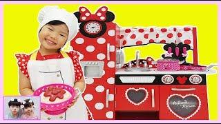 엄마를 위한 맛있는 스파게티 만들기 대작전!Yuni Pretend Cooking with GIANT Minnie Mouse Kitchen Toy 로미유스토리 Romiyu Story