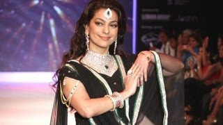 India International Jewellery Week 2012: Juhi Chawla Walks For Kays Jewels