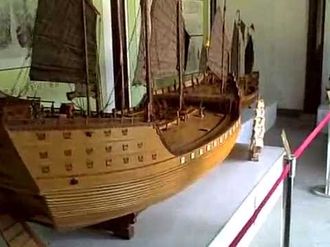 Columbus's ship vs Zheng He's Treasure ship