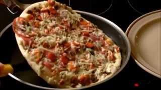 Pizza in der Mikrowelle zubereiten