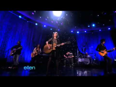 Taylor Swift Performs 'Back to December - Ellen show
