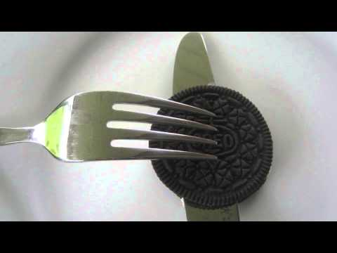 How to Eat an OREO Cookie with a Knife and Fork