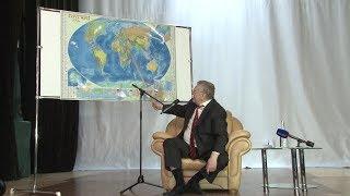 Жириновский дал урок селфи и географии