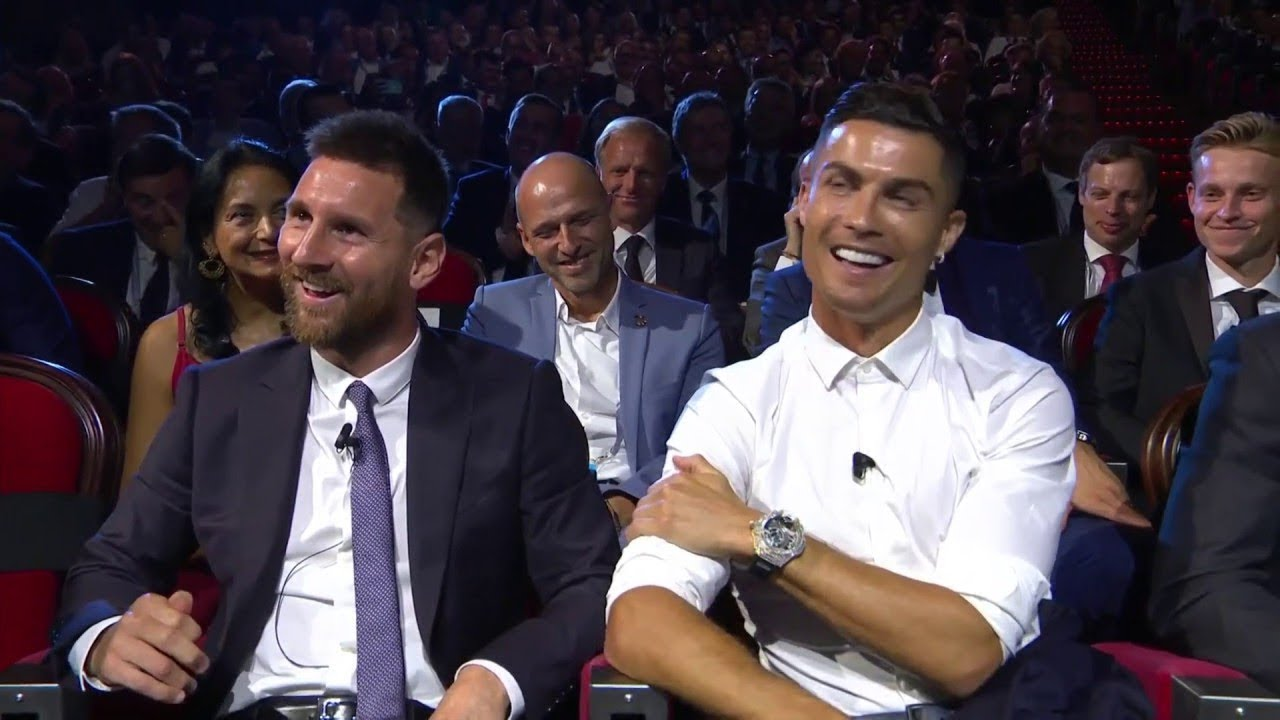 شاهد ماذا قال كريستيانو رونالدو عن ليونيل ميسي خلال توزيع جائزة أفضل لاعب !!