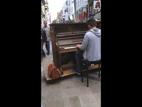 just the way you are - bruno mars street piano dortmund
