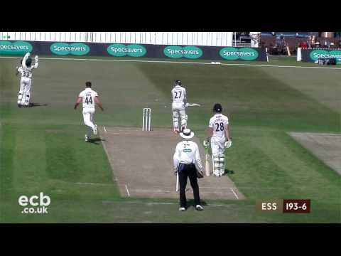 Leicestershire v Essex Specsavers County Championship - Day 2
