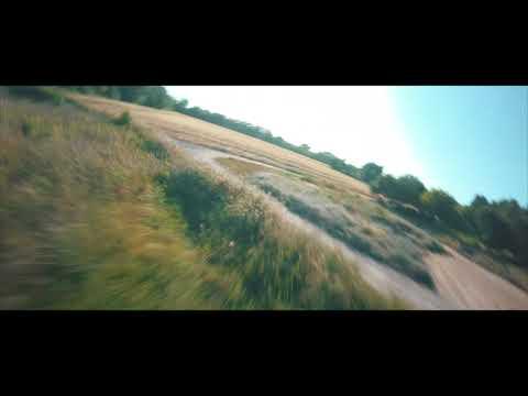 Фото Cinematic FPV Drone - Vignes et Champs