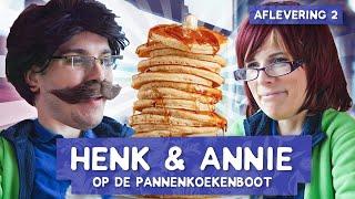Gratis eten op de Pannenkoekenboot! - KEEPING UP WITH HENK & ANNIE #2