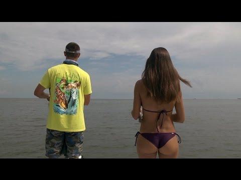 Fishing girl catches MONSTER REDFISH in Venice, Louisiana