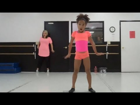 Charlize Glass - We R Who We R (Rehearsal)