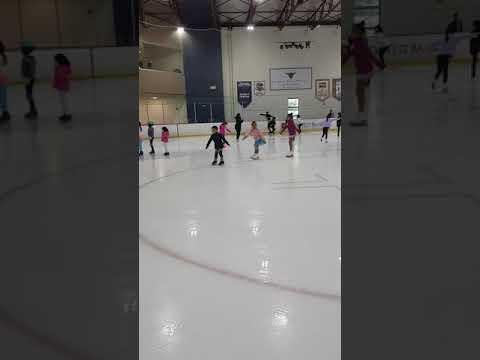 20170701 skating class zachary