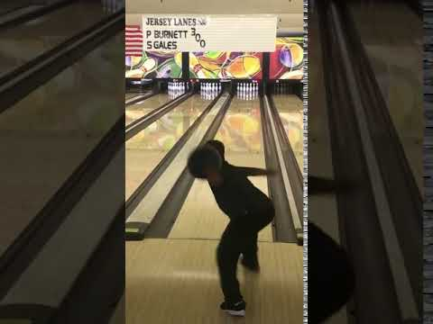 10-year-old N.J. boy breaks record by bowling 300 points