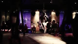 Kinoko Hajime did bondage performance in Glasgow 2015. 2015年の...